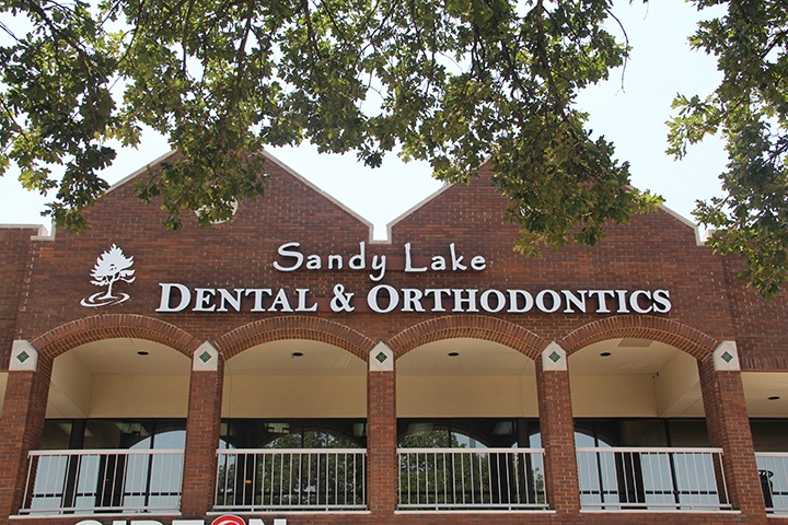 Exterior view of Sandy Lake Dental & Orthodontics